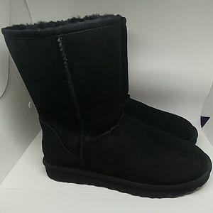 Ugg Australia classic black short boot like new